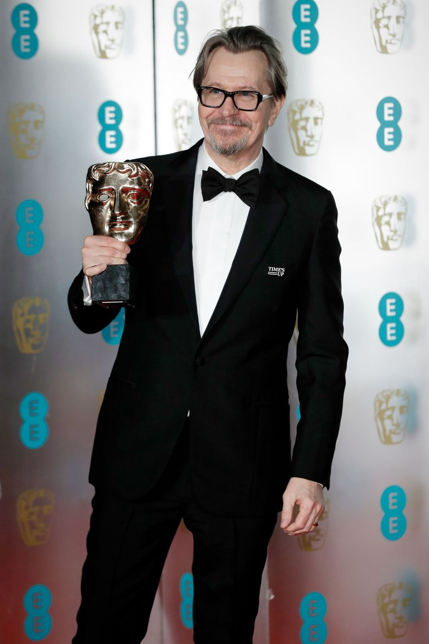 Gary Oldman attends the EE British Academy Film Awards (BAFTA) gala dinner. | Source: Getty Images