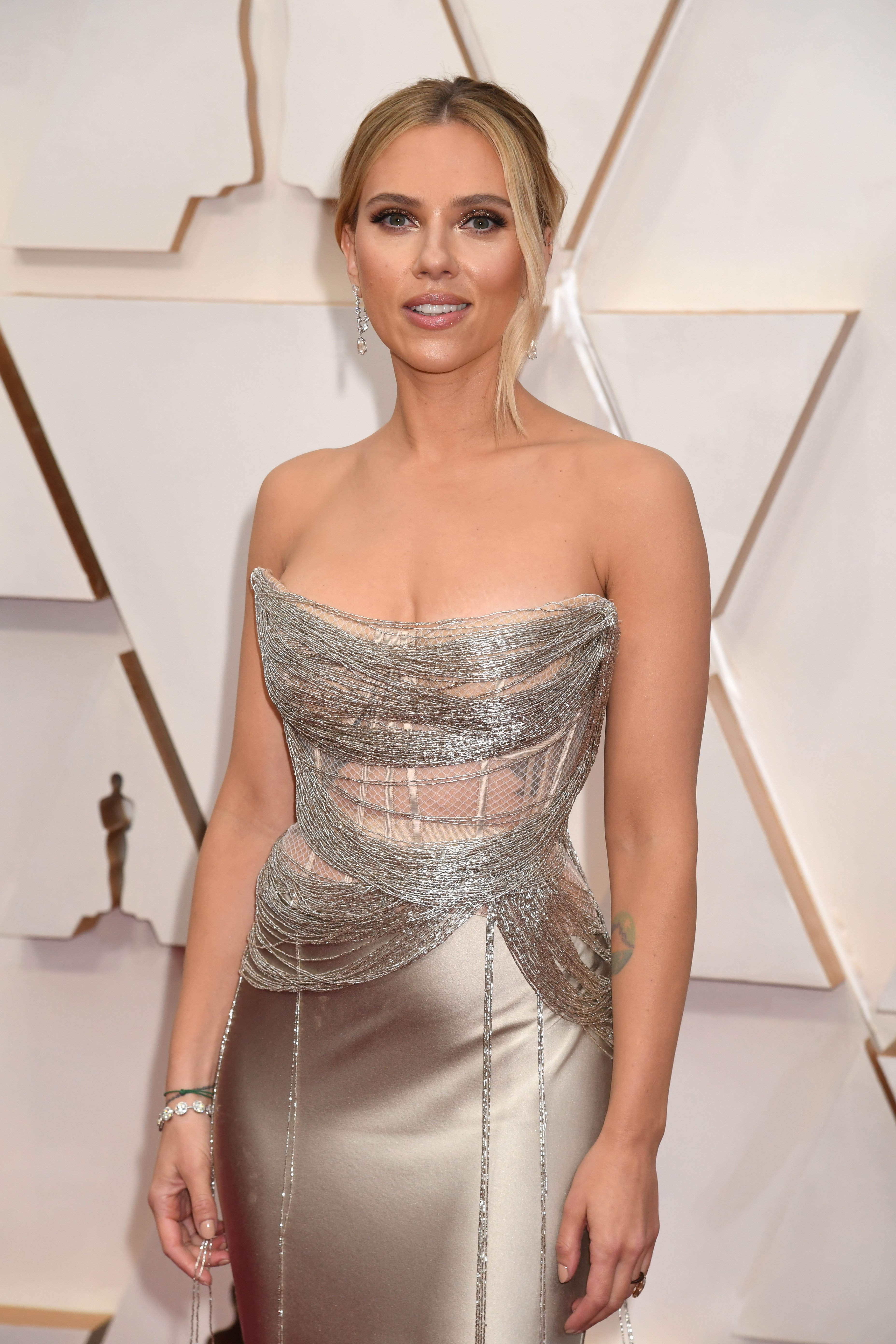 Scarlett Johansson attends the 92nd Annual Academy Awards at Hollywood and Highland on February 09, 2020 in Hollywood, California | Photo: Getty Images