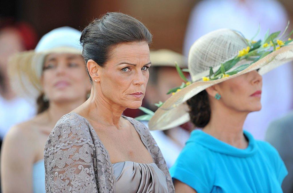 La princesa Caroline de Hannover y la princesa Estefanía de Mónaco el 1 de julio de 2011 en Mónaco.   Foto: Getty Images