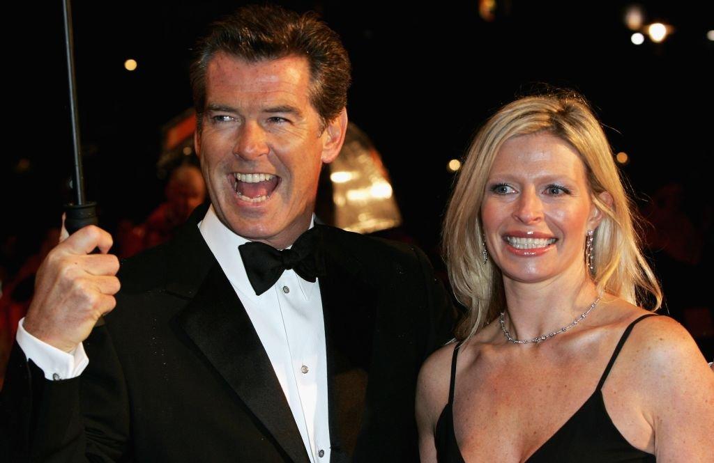 Pierce Brosnan et sa fille Charlotte à l'Odeon Leicester Square le 19 février 2006 à Londres. | Getty Images