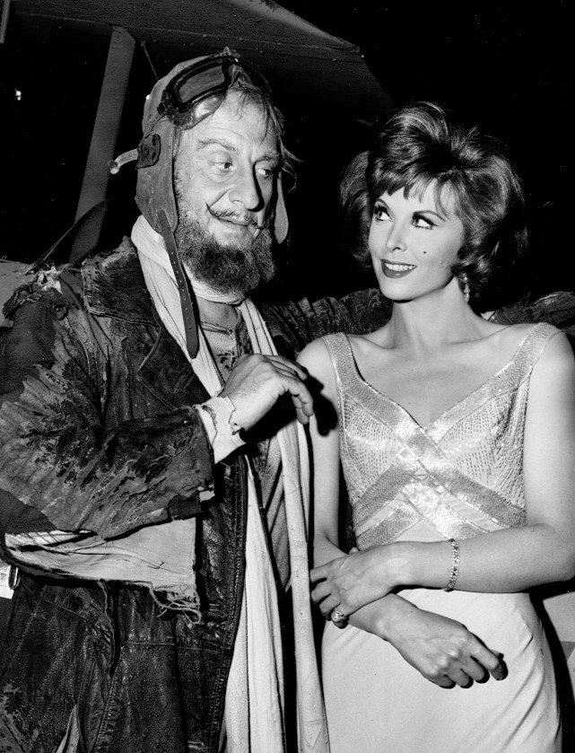 Tina Louise and Hans Conried in Gilligan's Island. | Source: Wikimedia Commons