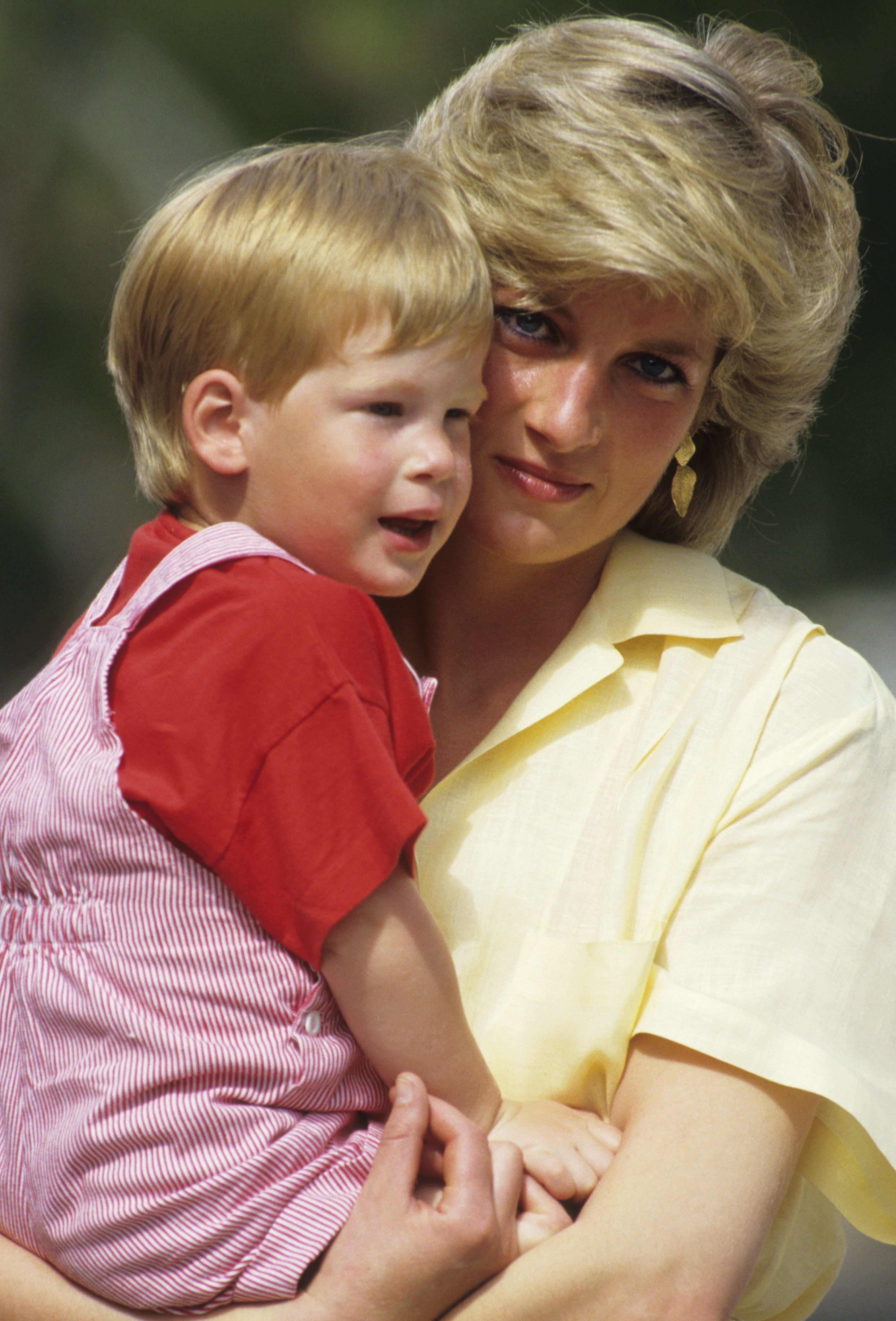 Princess Diana and a young Prince Harry | Photo: Getty Images
