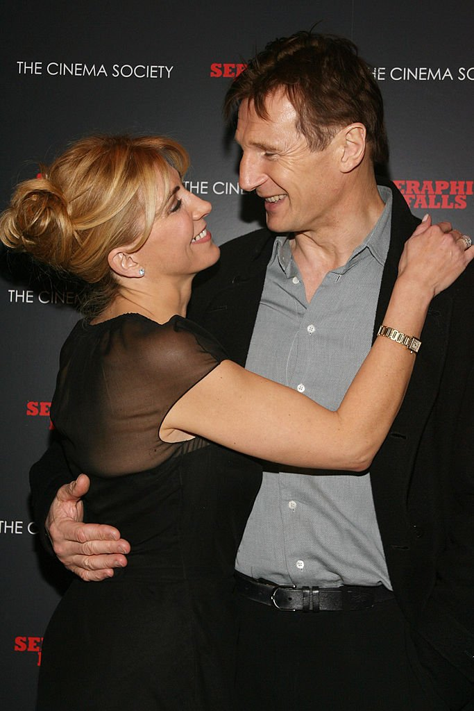 Natacha Richardson et Liam Neeson amoureux / Source : Getty Images