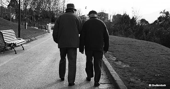 Cet homme de 60 ans est mort pendant les funérailles de son ami : dernière chanson du vieux chanteur