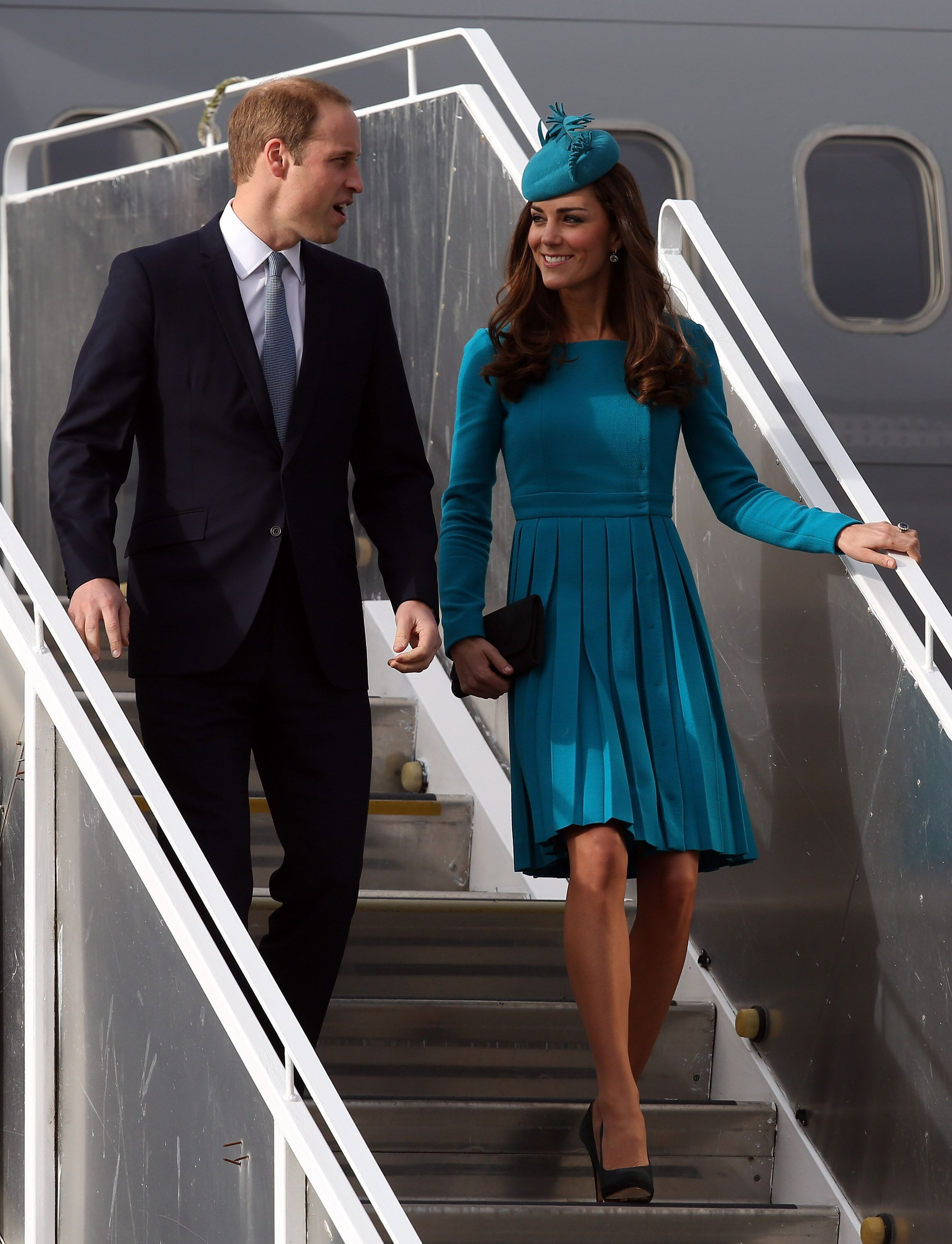 Prince William and Kate arrive at Dunedin International Airport in Dunedin, New Zealand. | Photo: Getty Images