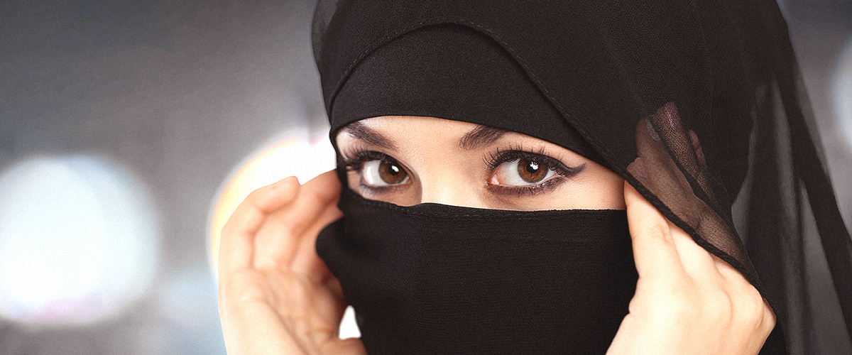 Doctor Could Lose His Job for Asking Muslim Woman to Remove Her Niqab