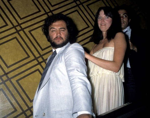 Late actor John Belushi who led a very controversial life of drug abuse was spotted out with his wife, Judy Jacklin before his demise | Photo: Getty Images
