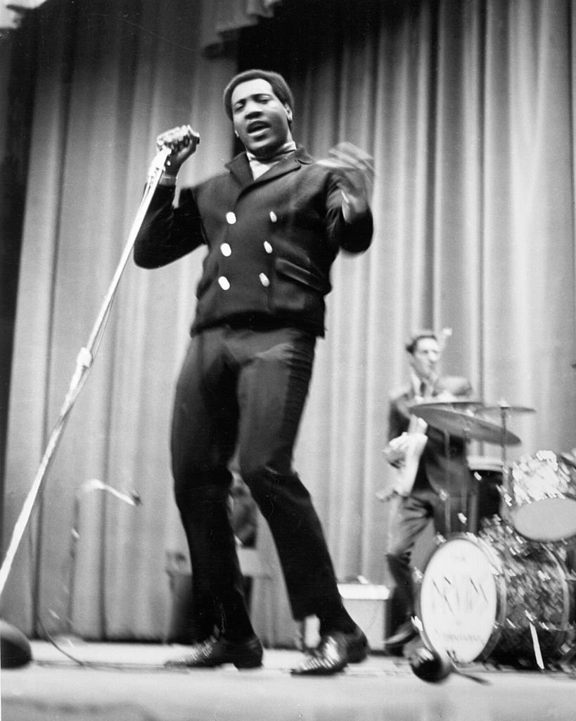 """Soul singer Otis Redding performs onstage with his guitar player Steve Cropper of """"The Bar-Kays"""" at Hunter College on January 21, 1967 