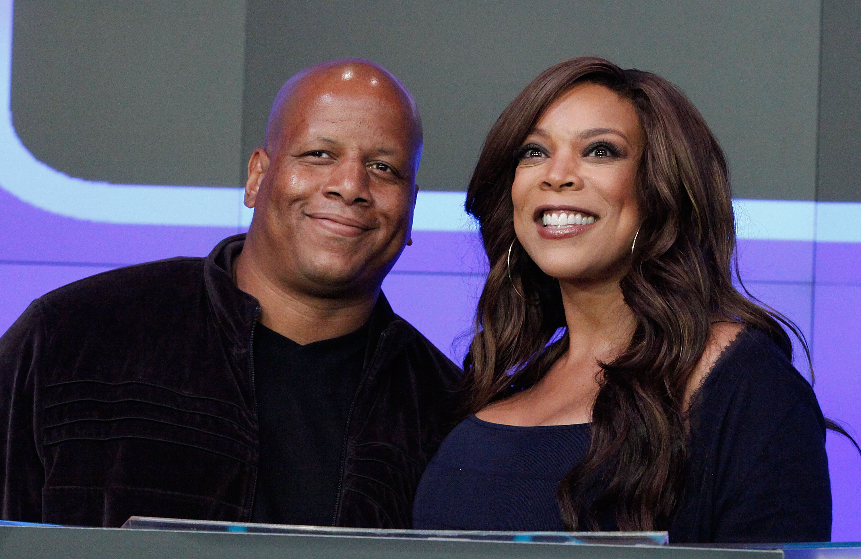 Kevin Hunter and Wendy Williams at the NASDAQ MarketSite on August 25, 2010. | Photo: Getty Images