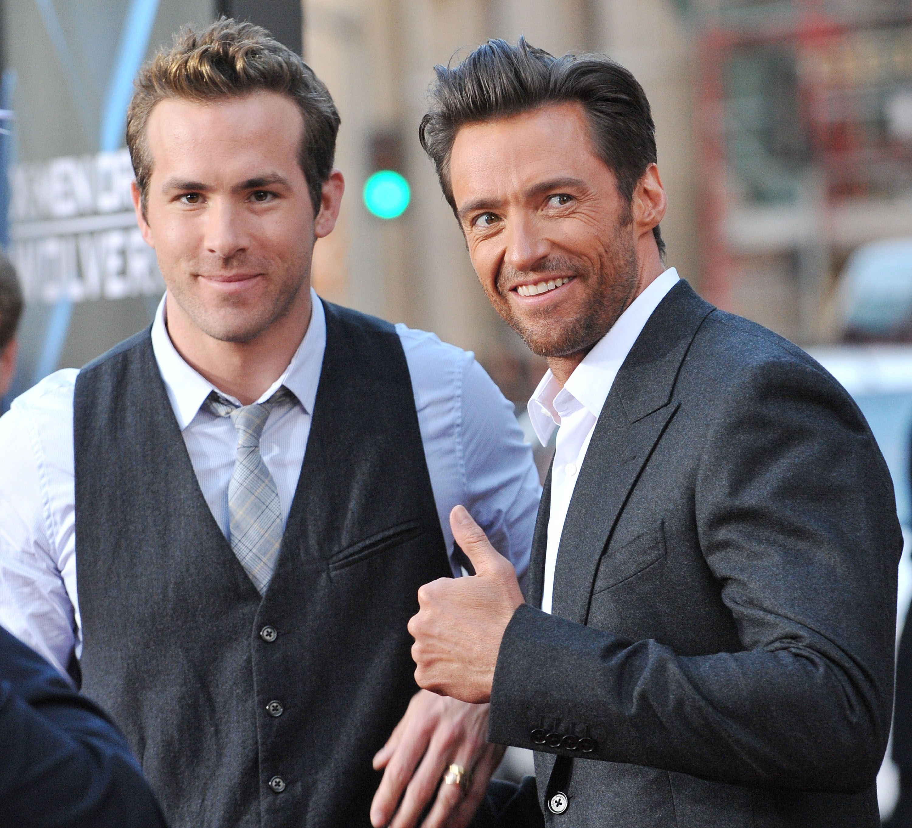 """Ryan Reynolds and Hugh Jackman at the screening of """"Xmen Origins: Wolverine"""" in 2009 in Hollywood 