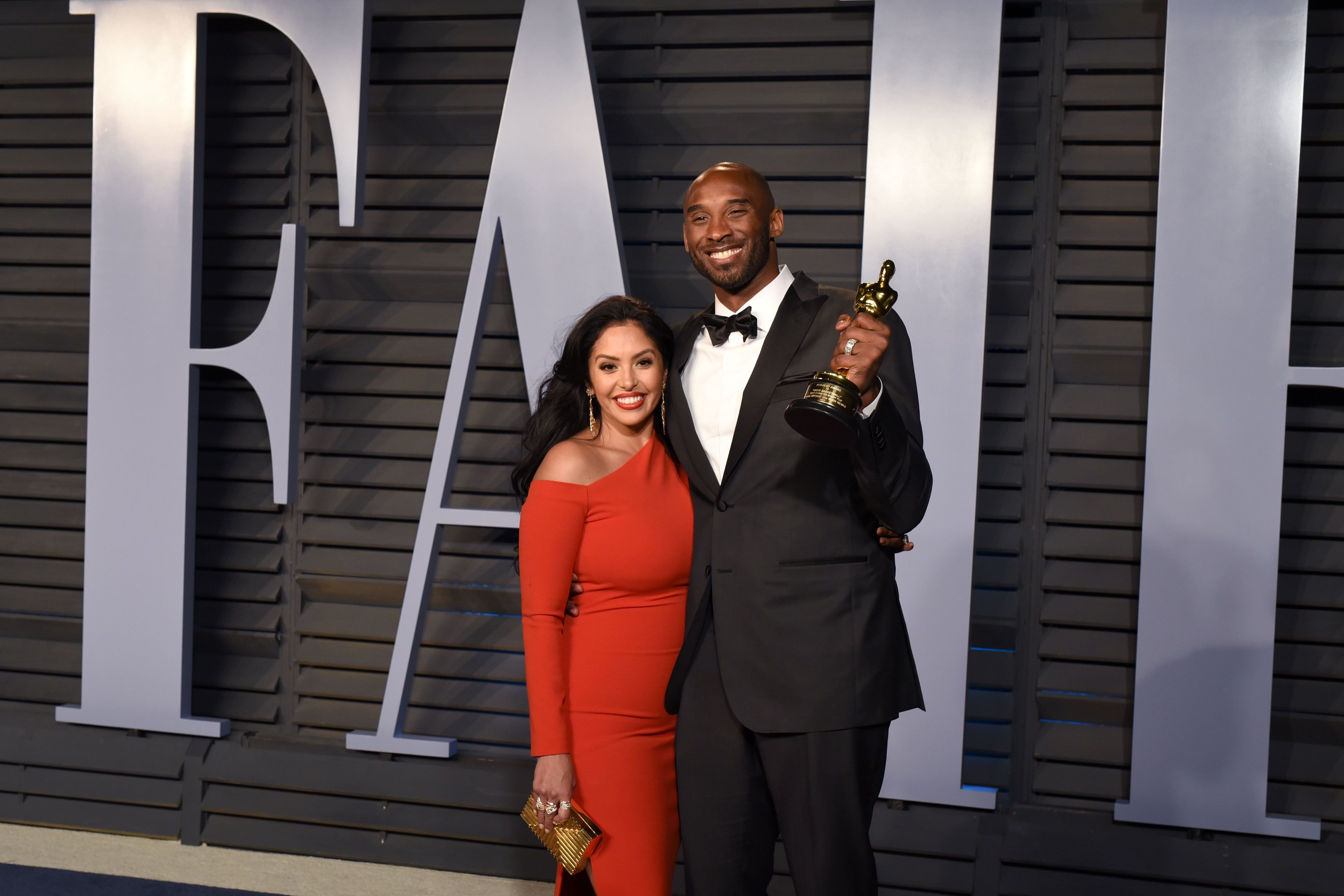 Vanessa Bryant and Kobe Bryant during the 2018 Vanity Fair Oscar Party Hosted By Radhika Jones - Arrivals at Wallis Annenberg Center for the Performing Arts on March 4, 2018 in Beverly Hills, CA. | Source: Getty Images