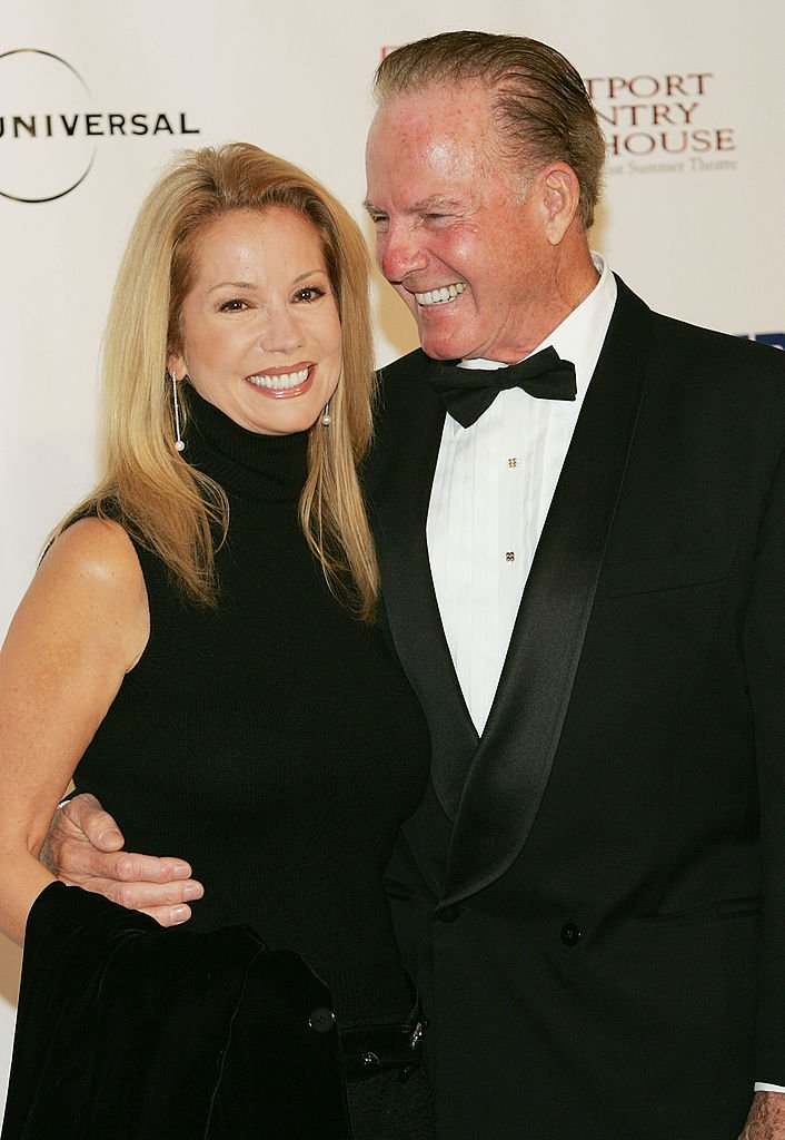 Kathie Lee and Frank Gifford attends the Westport Country Playhouse benefit dinner in Greenwich, Connecticut on October 14, 2004 | Photo: Getty Images