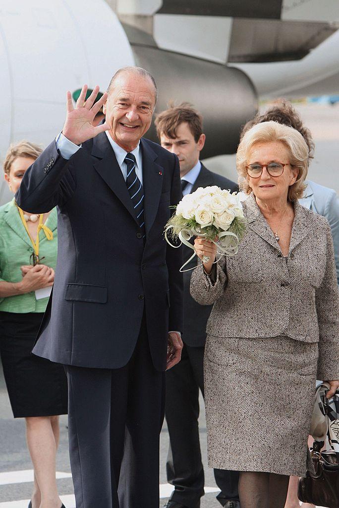 Jacques et Bernadette Chirac le 15 juillet 2006 en Russie. l Source : Getty Images