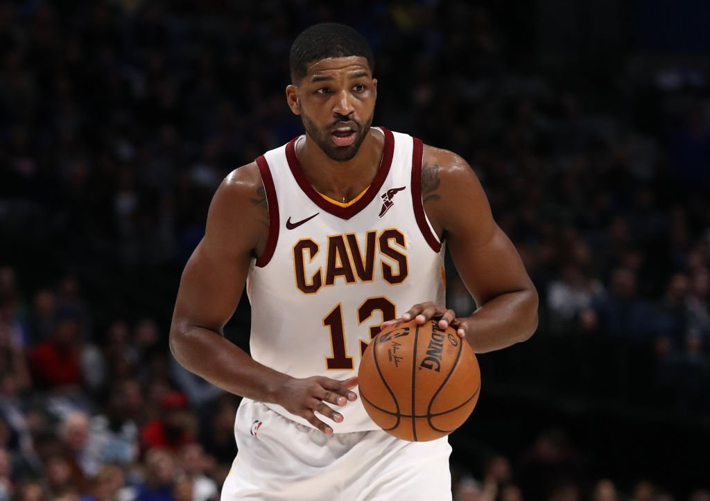 Tristan Thompson #13 of the Cleveland Cavaliers at American Airlines Center | Photo: Getty Images