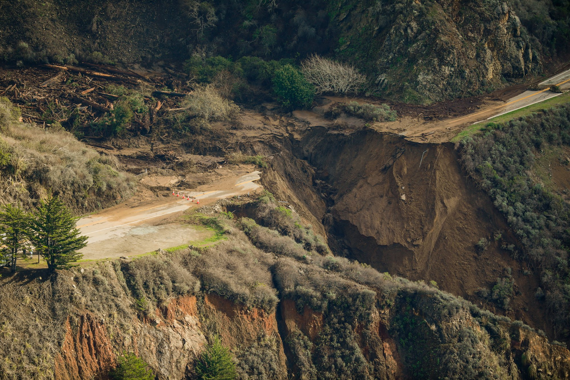 Highway 1 destroyed as a result of California floods and mudslides, January, 2021. | Photo: Getty Images.