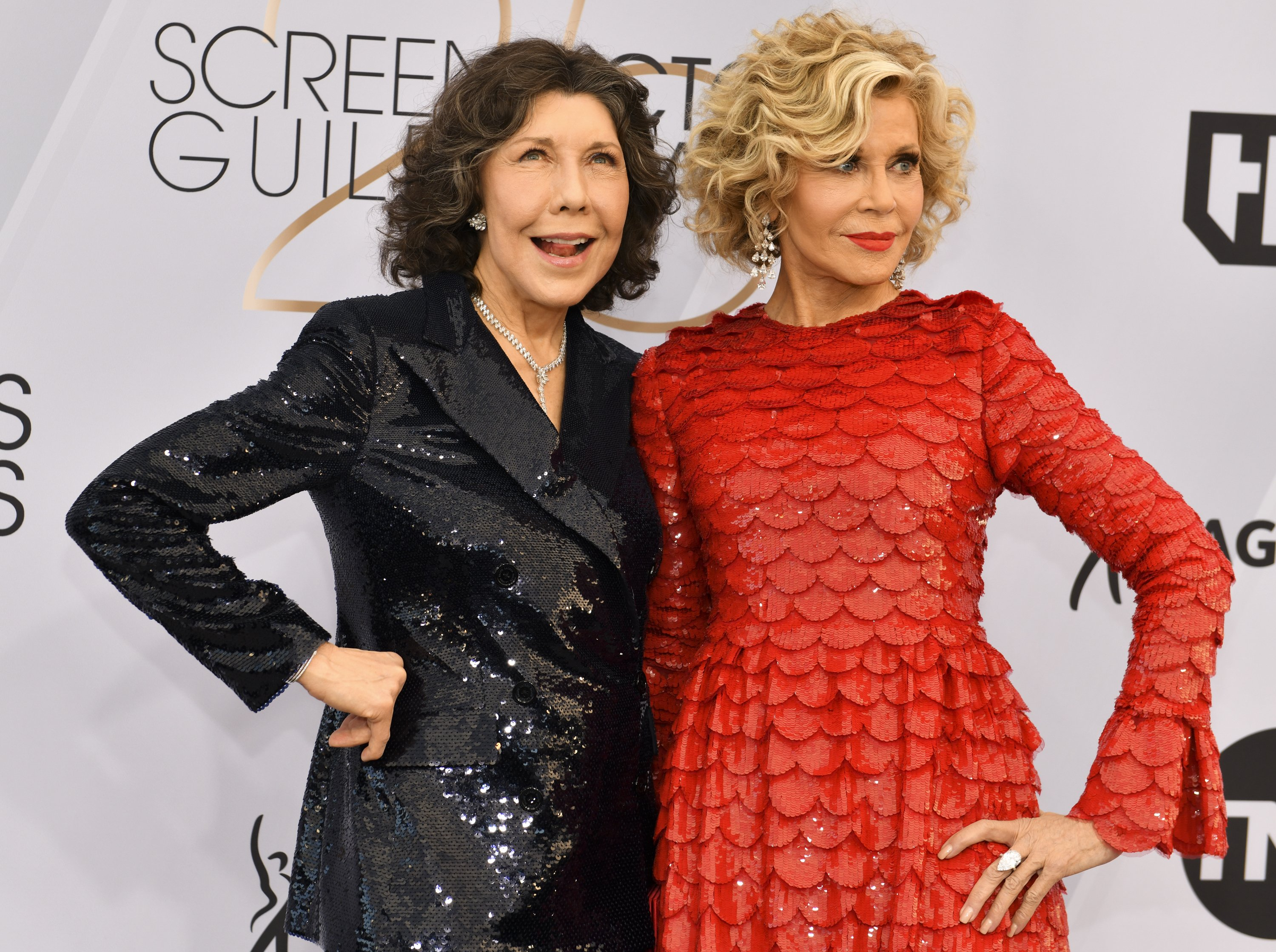 Lily Tomlin and Jane Fonda arrive at the 25th Annual Screen Actors Guild Awards on January 27, 2019 | Photo: GettyImages