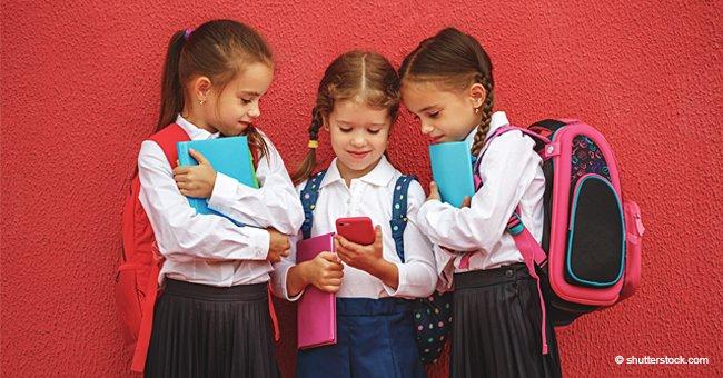 Le gouvernement français a interdit à tous les enfants de moins de 15 ans d'utiliser leur téléphone portable à l'école