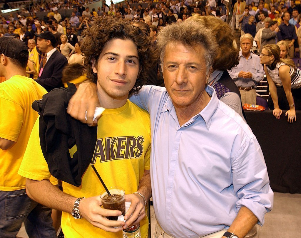 Dustin Hoffman and son, Max attend Game 1 of the NBA Finals between the Los Angeles Lakers and the New Jersey Nets in 2005. | Image: Getty Images