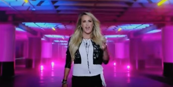 Carrie Underwood Debuts New Theme Song For Sunday Night Football