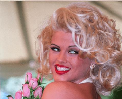 American model, actress and television personality Anna Nicole Smith (1967 - 2007), circa 1990.| Source: Getty Images