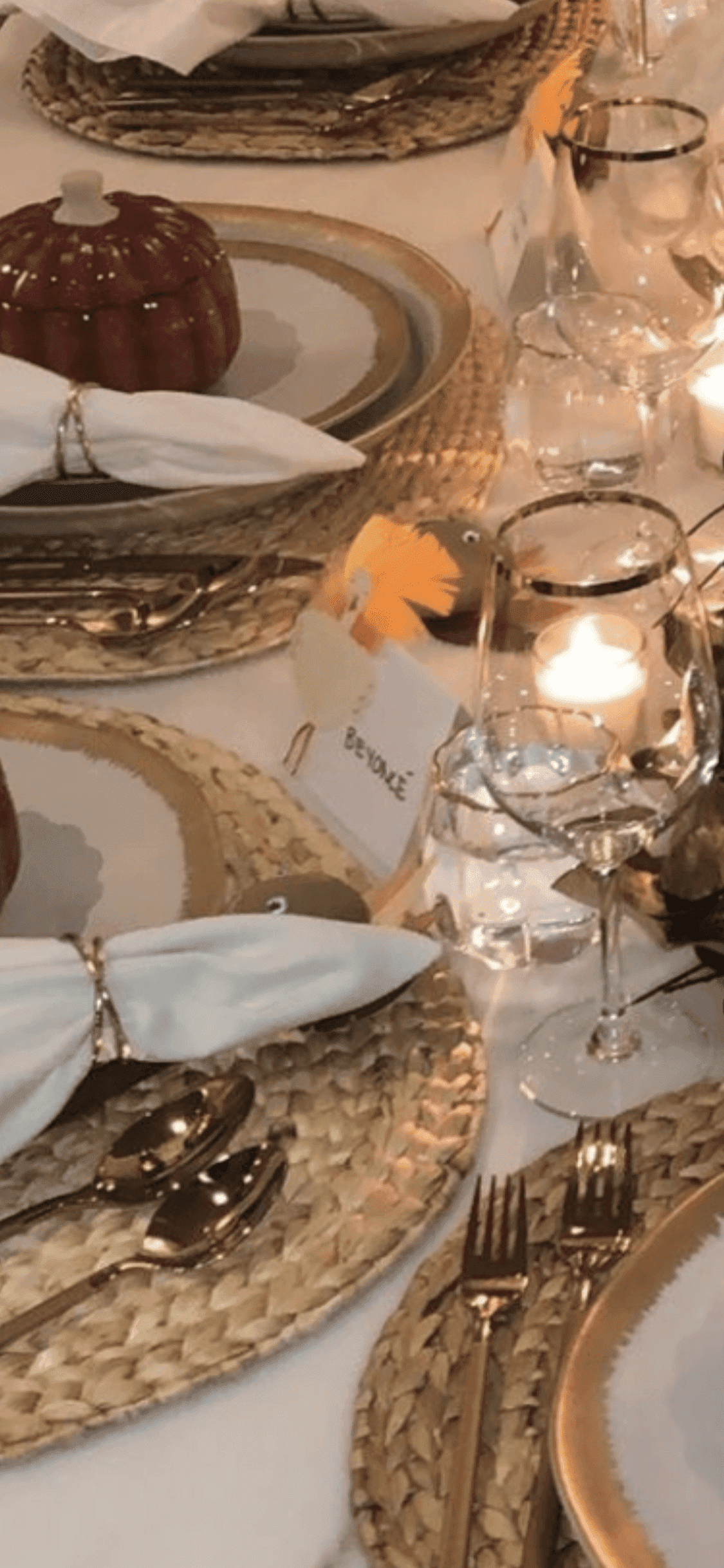 """Kylie Jenner's incredible table setting complete with the """"Beyonce"""" place card/ Source: Instagram/ KylieJenner"""