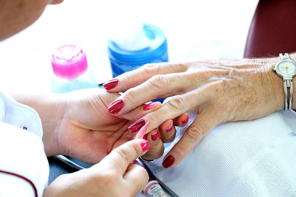 Manicure.   Foto: Pixabay