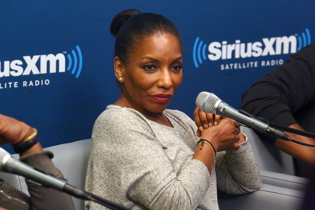 """Stephanie Mills attends SiriusXM's Town Hall with the cast of """"The Wiz"""" hosted by Radio Andy host Bevy Smith at the SiriusXM Studios on October 26, 2015 in New York City. 