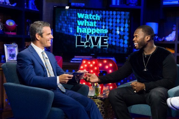 Andy Cohen and 50 Cent on the set of Watch What Happens Live - Season 11 | Photo: Getty Images