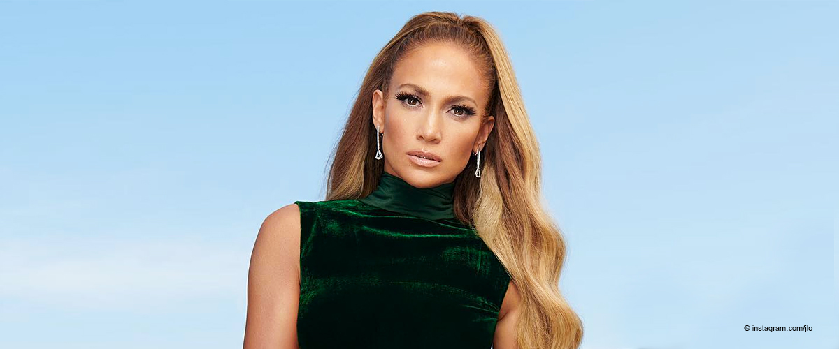 Jennifer Lopez Flaunts Rock-Hard Abs in Racy Bikini, and Her Curves Are Age-Defying
