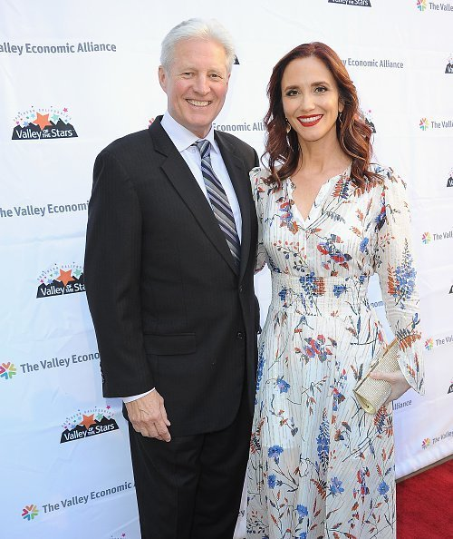 Bruce Boxleitne et Verena King Boxleitner au Alex Theatre | Photo : Getty Images
