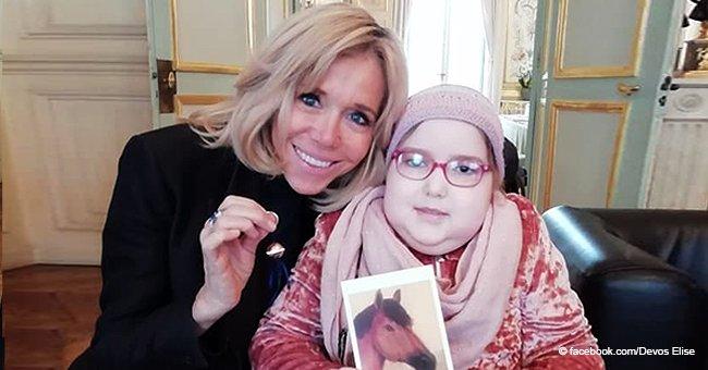Emmanuel Macron rencontre à l'Elysée une jeune fille de 9 ans atteinte d'un cancer rare, après l'avoir appelé à trouver un remède