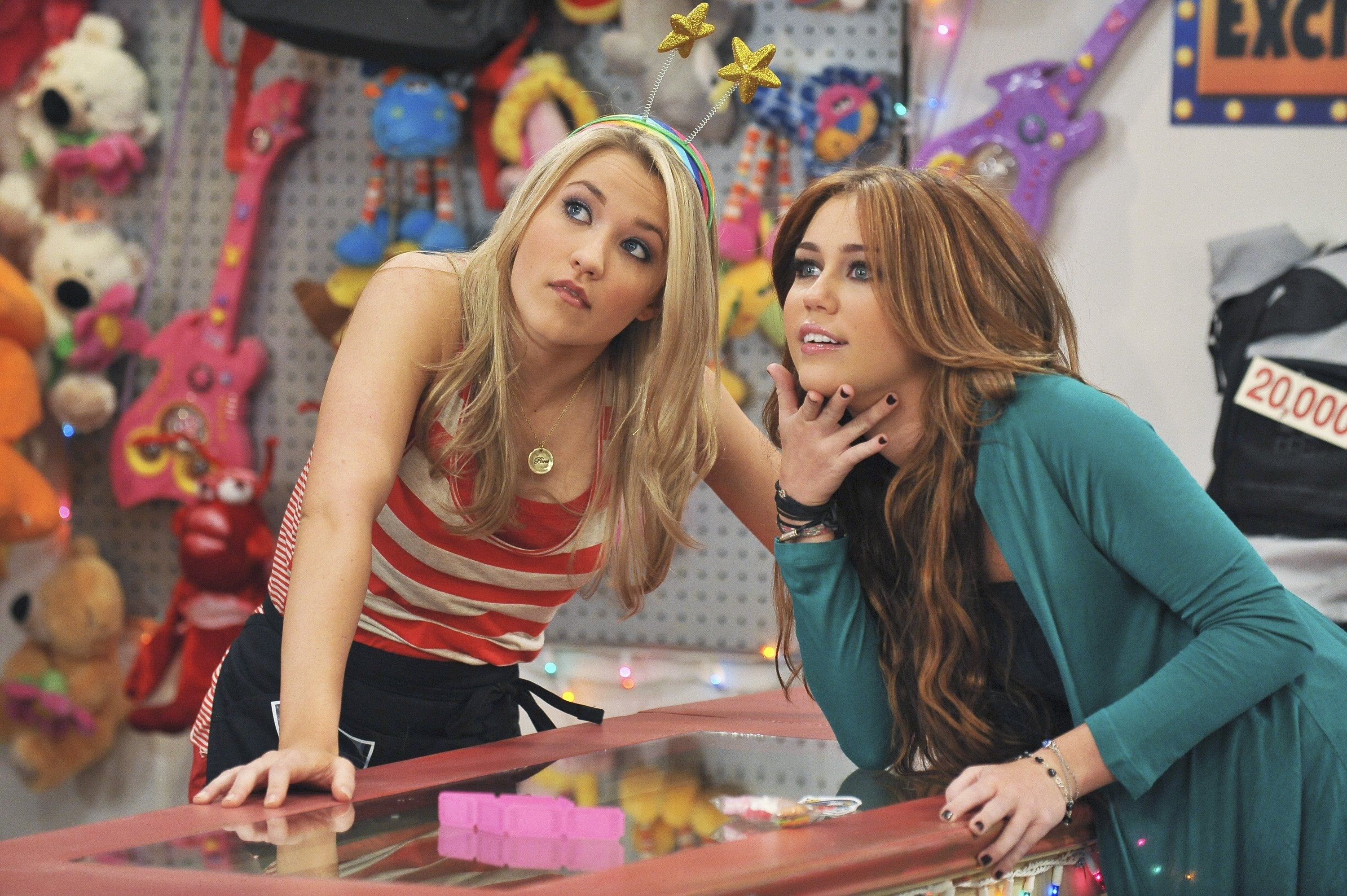 """Emily Osment  as Lilly Truscott with Miley Cyrus on the set of """"Hannah Montana"""" 