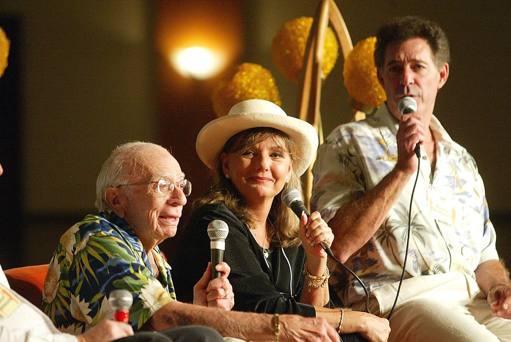 """""""Gilligan's Island"""" creator Sherwood Shwartz (L), Dawn Wells (Center) and """"Brady Brunch"""" actor, Barry Williams (Right) at the TV Land Convention in California on August 16, 2003. 