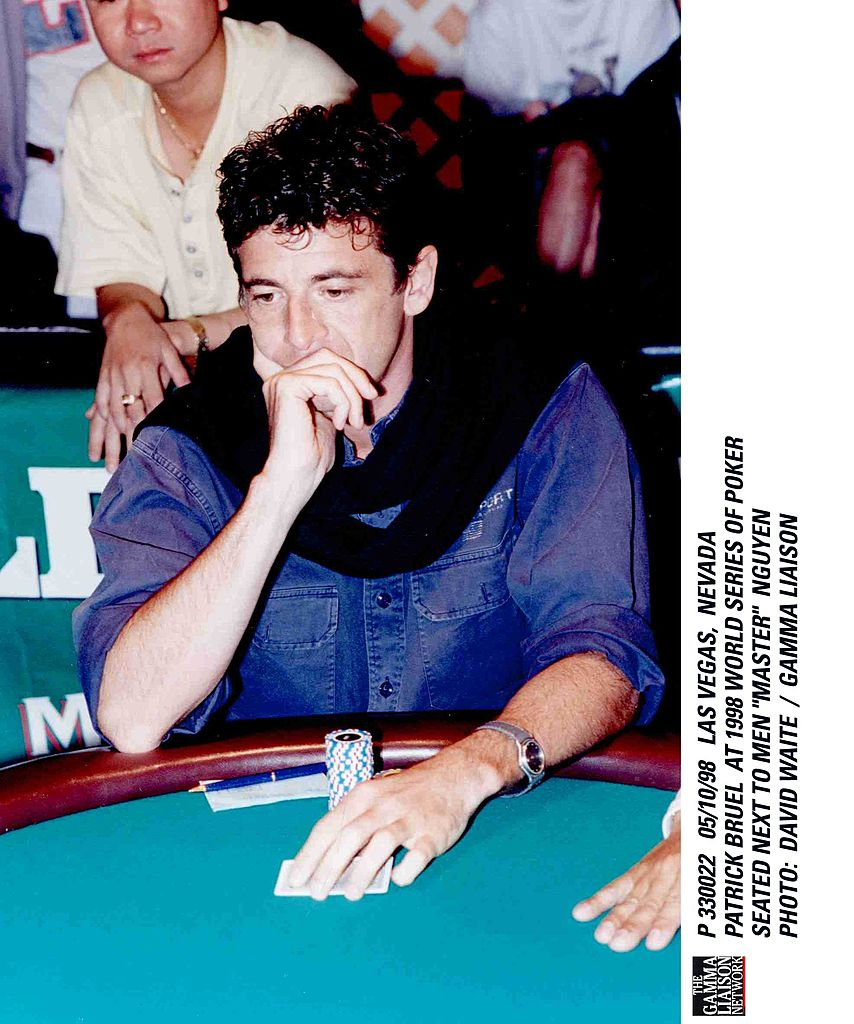 Patrick Bruel aux Championnats du monde de Poker de 1998. l Source : Getty Images
