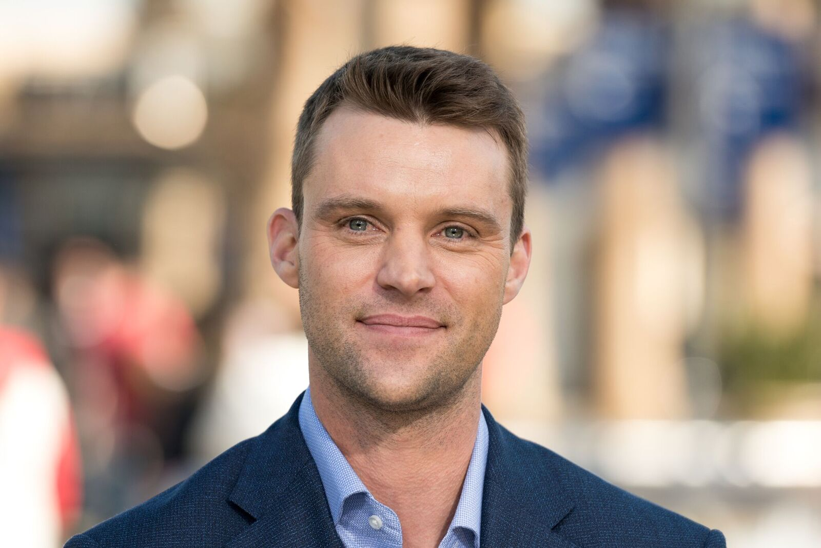 "Jesse Spencer visits ""Extra"" at Universal Studios Hollywood on March 1, 2018 in Universal City, California 