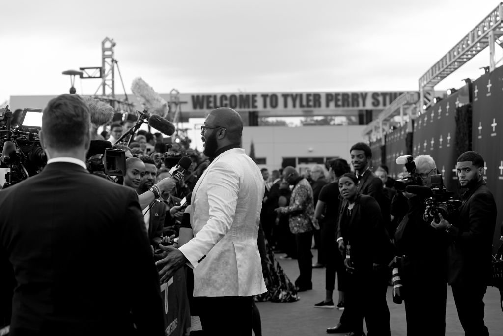 Tyler Perry addressing the press during the grand gala of the Tyler Perry Studios in Atlanta | Source: Getty Images/GlobalImagesUkraine
