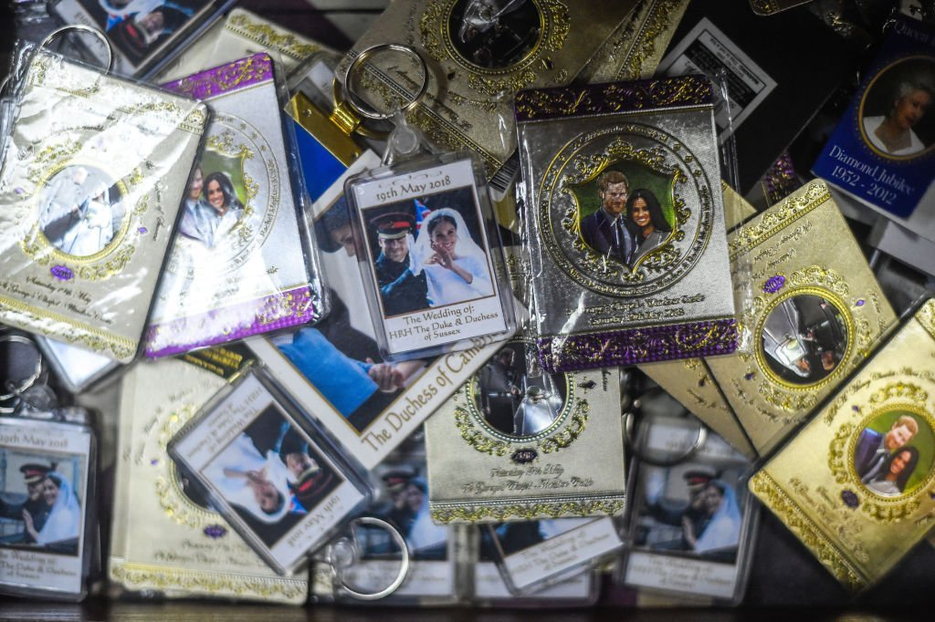 Merchandise in the form of key chains featuring Prince Harry and Meghan Markle being sole on sale after they announced their royal exit, on January 14, 2020 in London, England | Source: Peter Summers/Getty Images