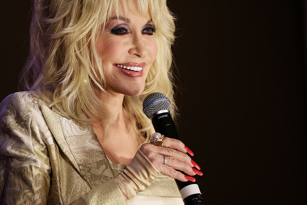 Dolly Parton during a press conference in Sydney, Australia on November 10, 2011. | Photo: Getty images.