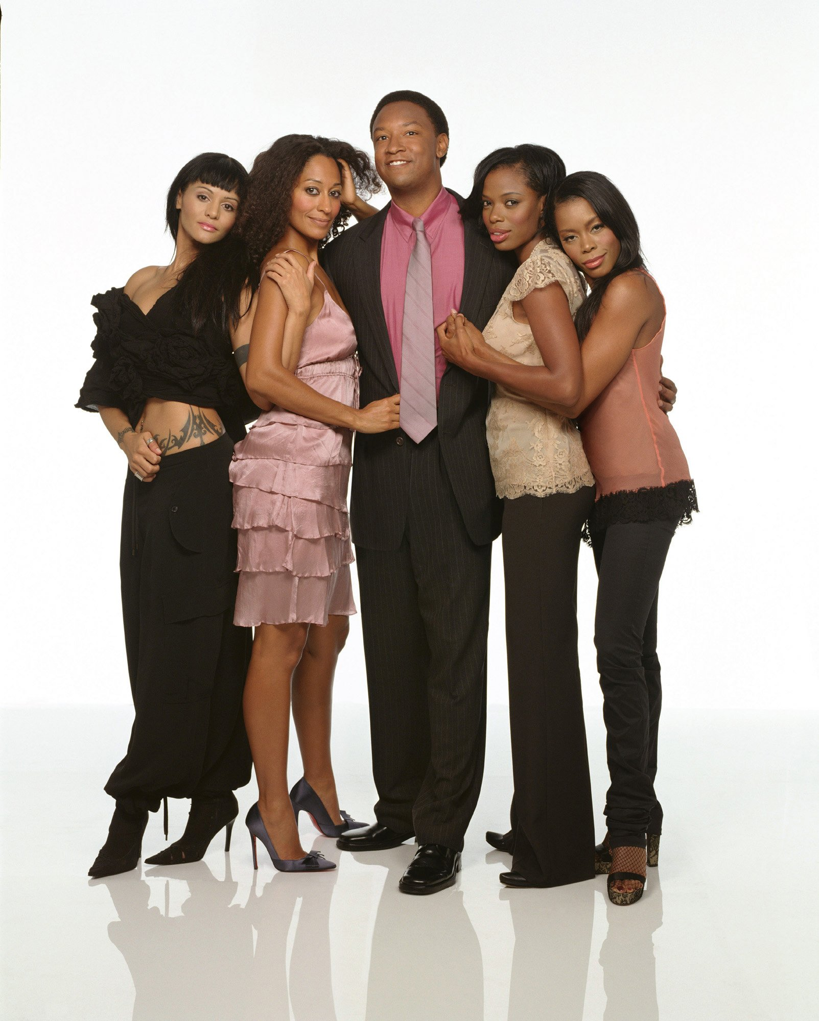 Promotional portrait of the cast of the UPN television series 'Girlfriends,' Los Angeles, California, January 5, 2004. | Photo: Getty Images