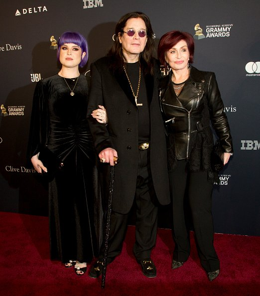 Kelly Osbourne, Ozzy Osbourne, and Sharon Osbourne at The Beverly Hilton Hotel on January 25, 2020 in Beverly Hills, California. | Photo: Getty Images