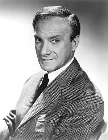 Jonathan Harris promoting his role on the CBS television series Lost in Space.| Photo: Wikimedia Commons.