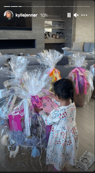 Kylie Jenner's Instagram story featuring the Easter-themed giveaways they prepared for the Kardashian-Jenner children | Photo: Instagram / Kylie Jenner