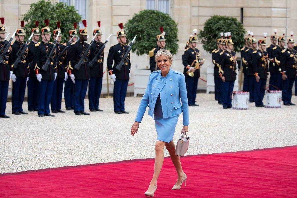 Brigitte Macron arrive a l'Elysée pour la cérémonie de passation de pouvoir le 14 mai 2017. | Photo : Getty Images