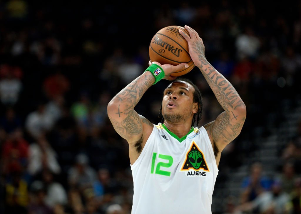 Shannon Brown of the Aliens takes a free throw while playing against Bivouac in Salt Lake City, Utah | Photo: Getty Images
