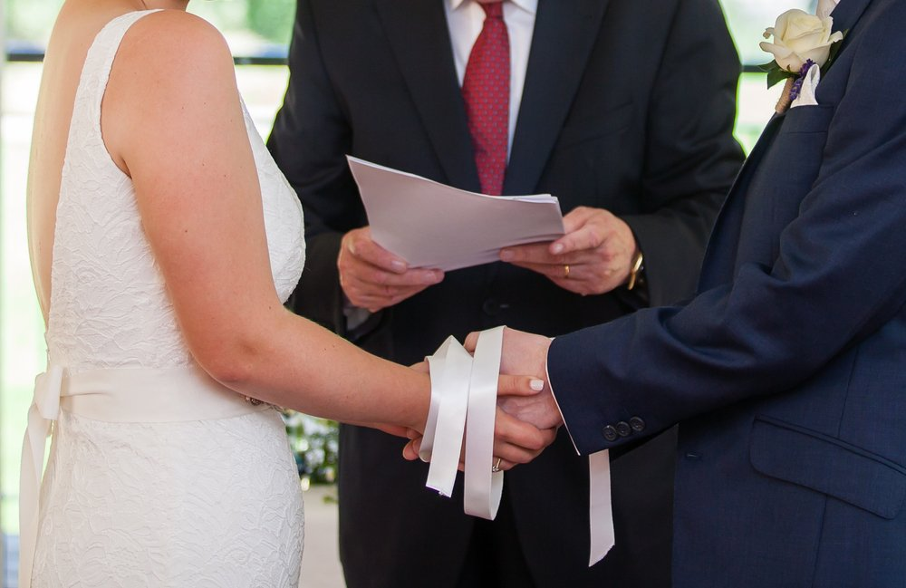 A photo of a bride and groom during a wedding ceremony | Photo: Shutterstock