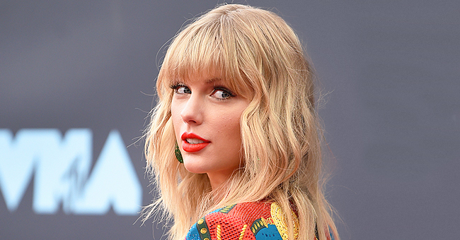 Taylor Swift Feigns Disappointment at Meeting Blake Shelton instead of Blake Lively on 'The Voice'
