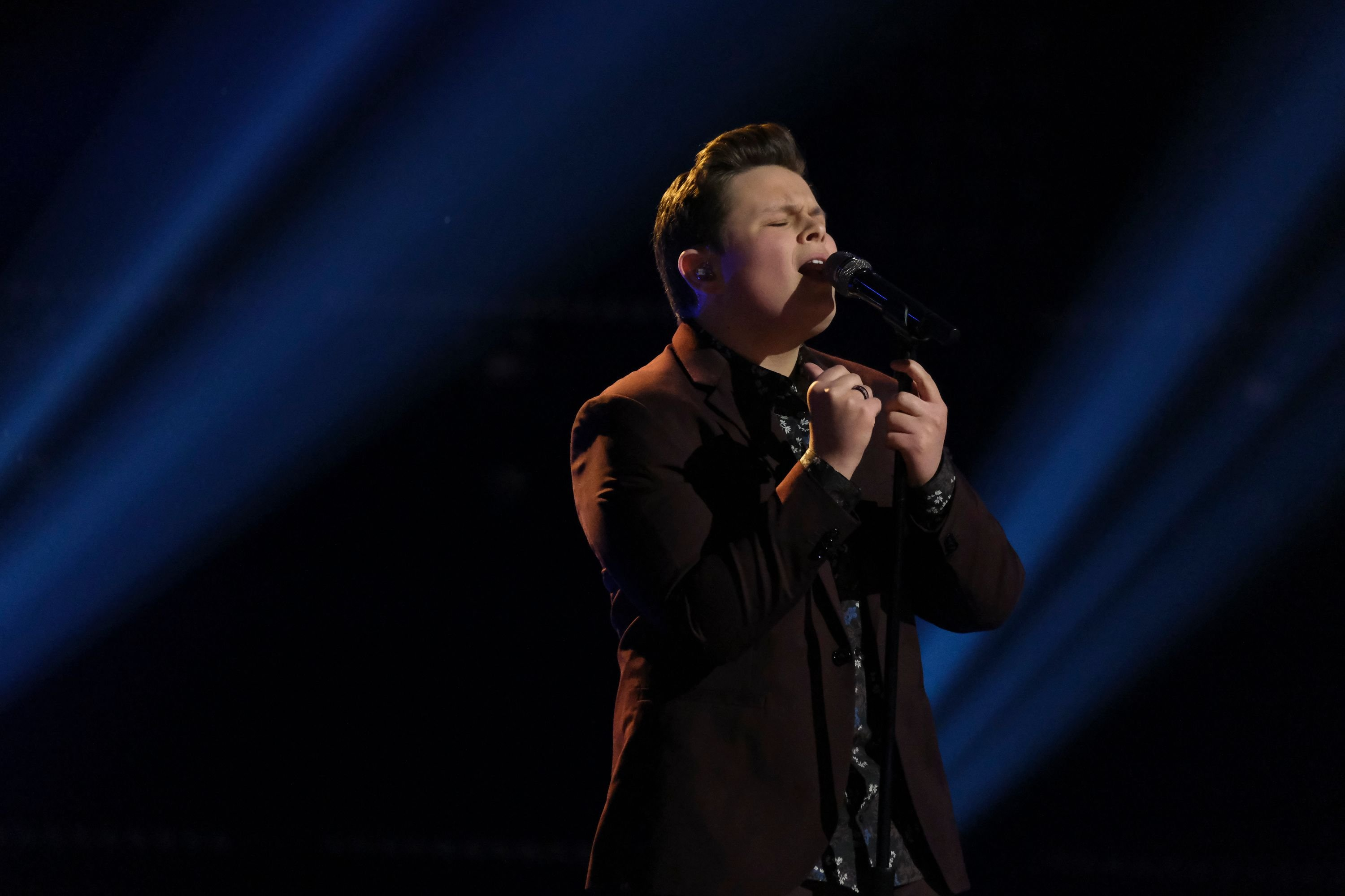 """Carter Rubin singing on season 19 of """"The Voice"""" Live Top 17 performances on November 30, 2020 