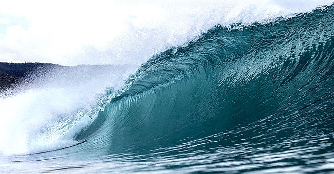 Surfer Saves a Man from Drowning as He Carried His Daughter's Ashes to the Sea