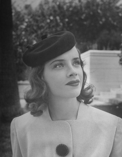 Susan Peters waring a beret in 1940s.   Photo: Getty Images