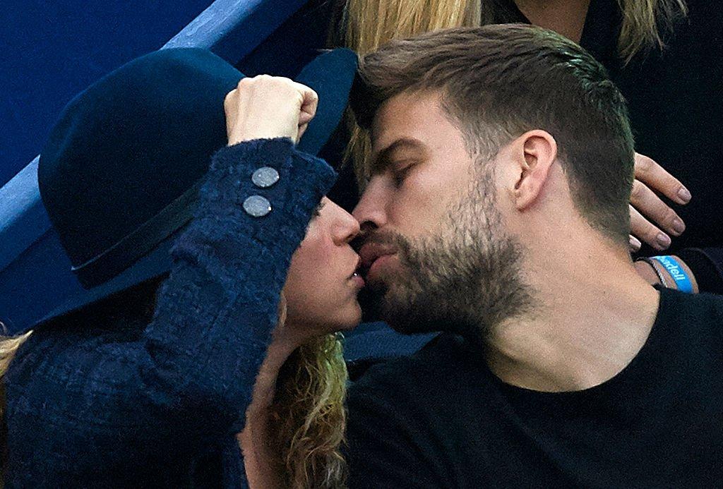 Shakira y Gerard Piqué besándose.| Fuente: Getty Images